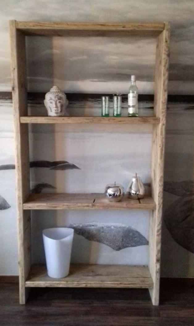 Regal aus Bauholz – Holzrebellion