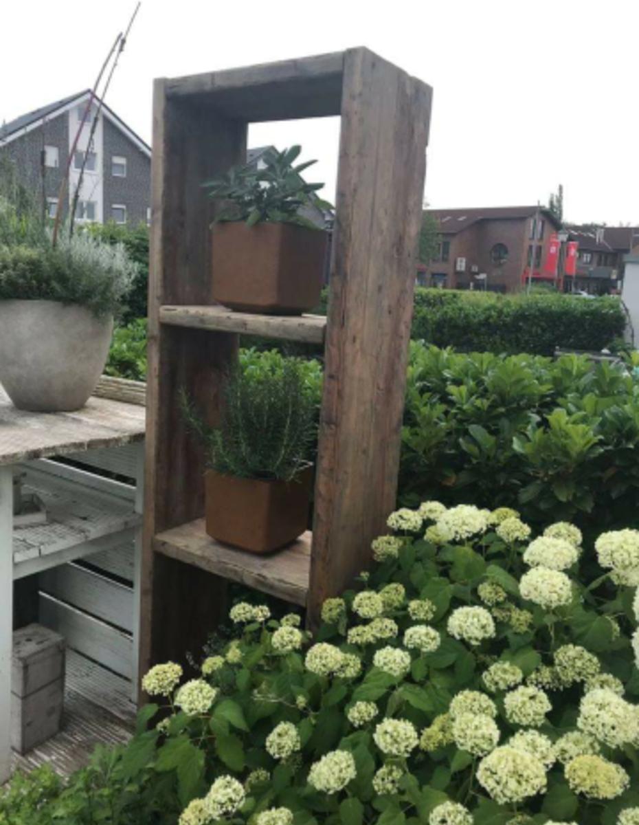 Regal für die Terrasse – Holzrebellion